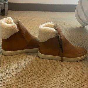 Target Universal Thread Warm Boots